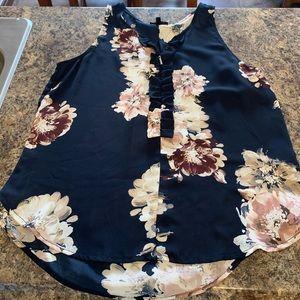 4/$30- Dynamite Navy Floral Blouse